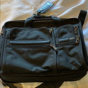 TUMI Briefcase. Excellent condition blk PRICE DROP